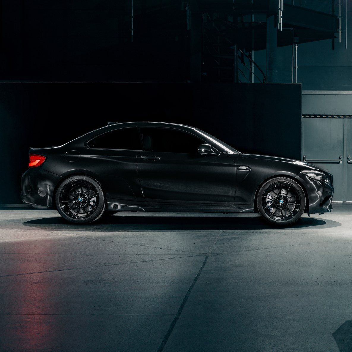 Side view of the BMW M2 Edition designed by FUTURA 2000