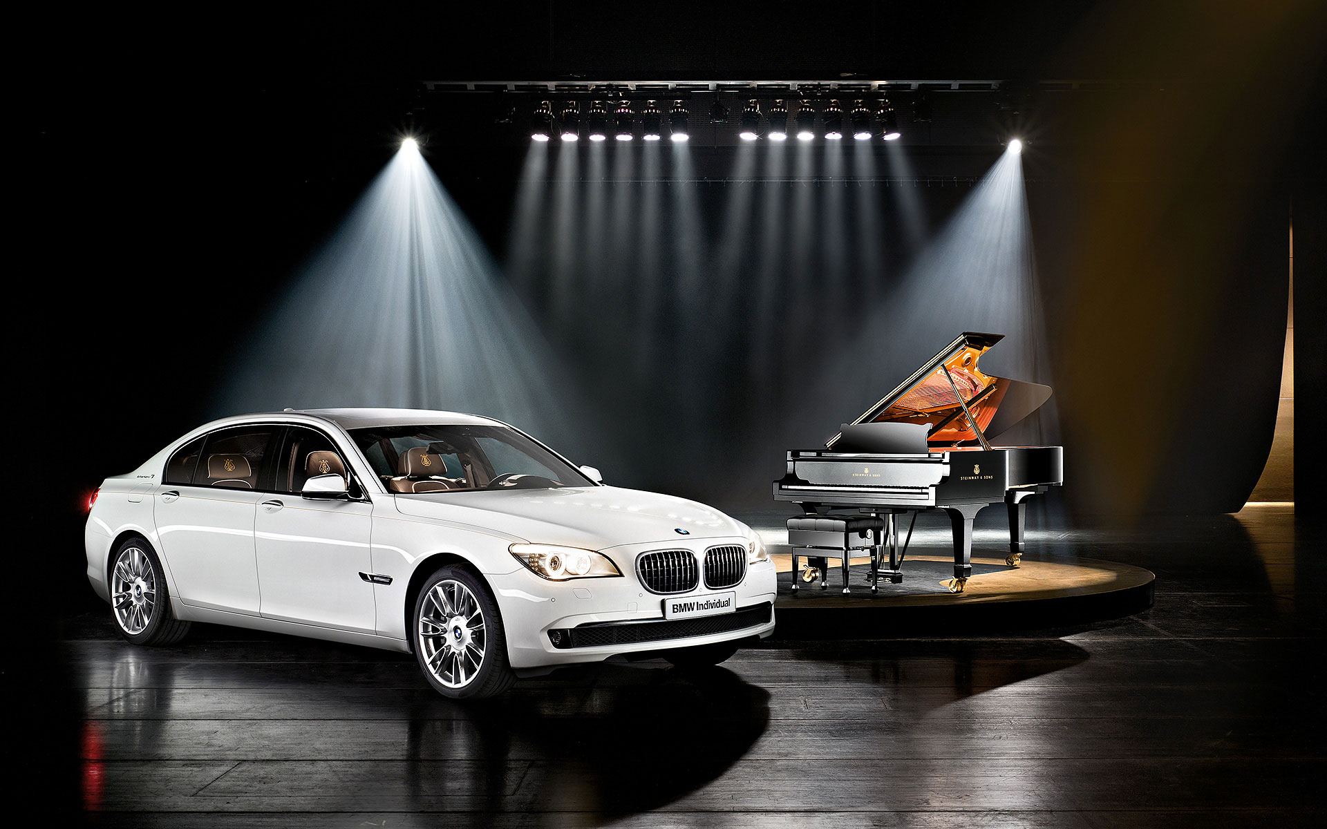BMW 7er inspired by Steinway & Sons