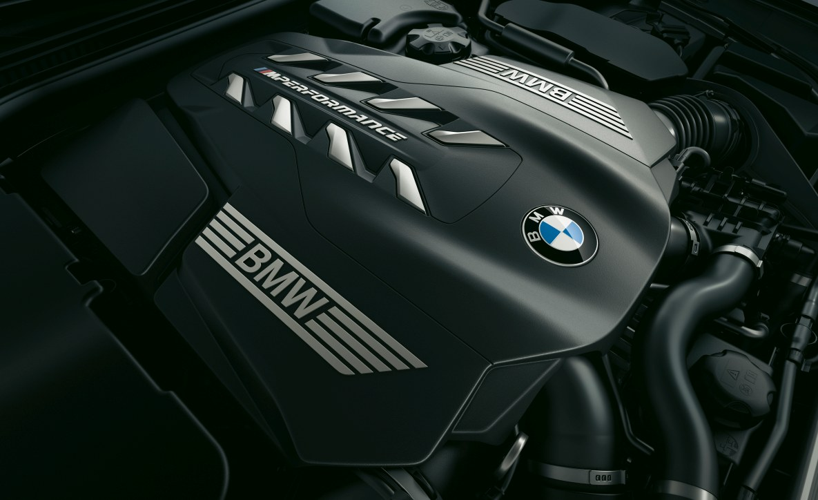 The engine of the BMW M850i xDrive Gran Coupé