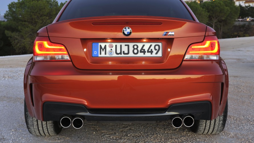 BMW 1 Series M Coupé rear apron, rear lights and exhaust system