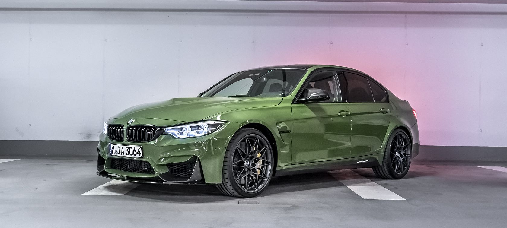 BMW M3 in Urban Green mit M Performance Parts