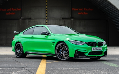 BMW M4 in Signal Green and Purple Silk