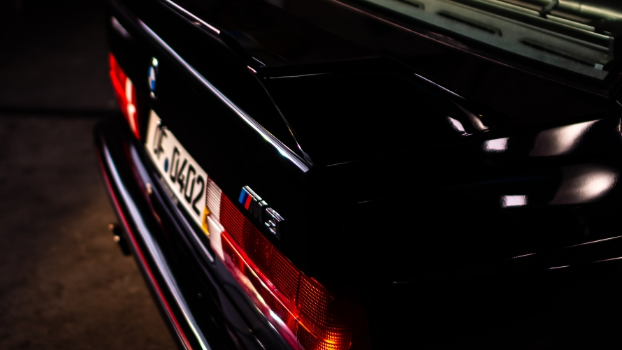 E30 BMW M3 Sport Evolution in Glanzschwarz