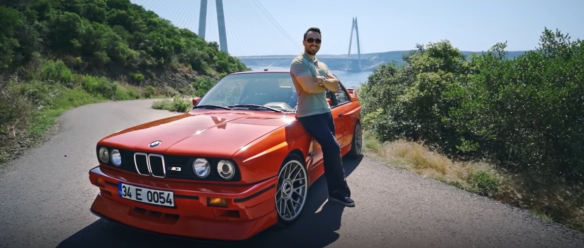 Can Eyilik with his BMW M3 E30 called 'Henna'