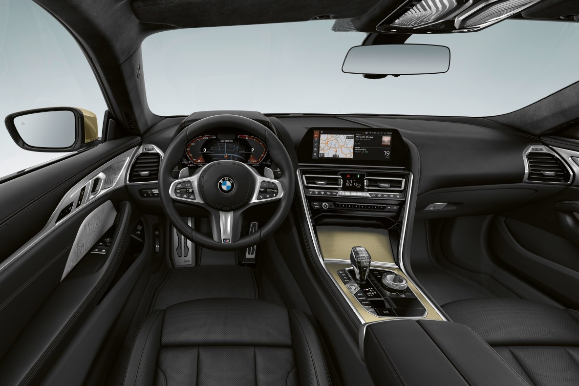 Interieur der BMW 8er Edition Golden Thunder