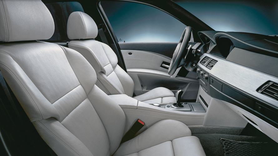 BMW M5 of 2005 (4th generation), interieur
